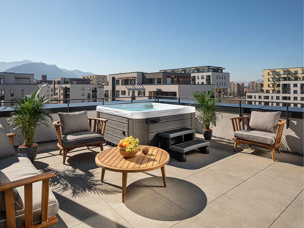 hotel premium brasov apartament 3 camere jacuzzi terasa